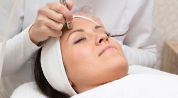 Mesoplastia facial con micropunción y liftings sin cirugía